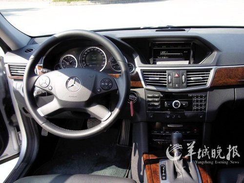 犀利又给劲 试驾北京奔驰E260L CGI