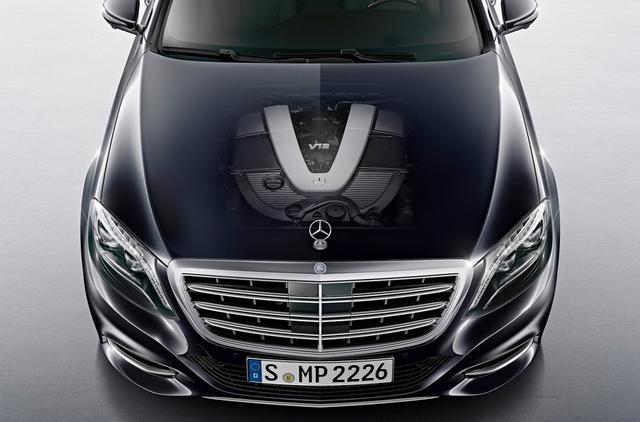 奔驰s600l采用6.0l v12发动机图片