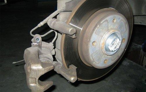 浅析HZY和DOT标准 刹车油级别越高越安全