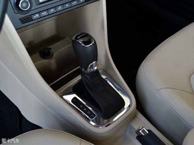 综合指数更高 两款入门级热门家轿对比