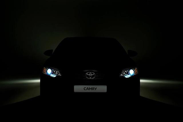 丰田改款凯美瑞预告图曝光 莫斯科车展发布