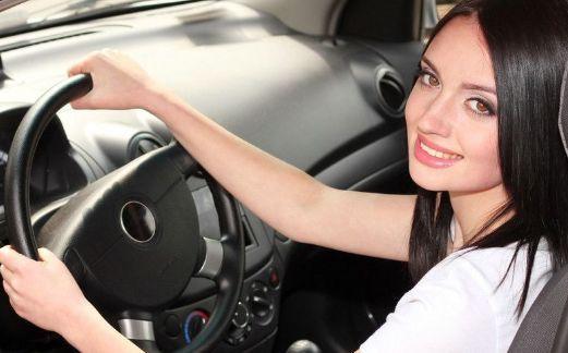 一个人开车技术好不好 与驾龄无关 看细节