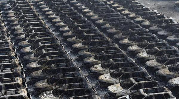 天津港进口大众烧毁2748辆 含途锐 甲壳虫 迈特威 迈腾