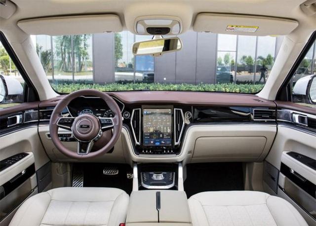 众泰T700 8AT车型上市 售价12.58-15.58万