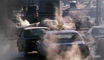 雾霾天气 车主健康安全驾驶指南