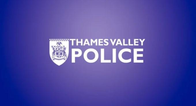 英国警方推探测器 可识别开车时使用手机的乘员并发出闪光提醒