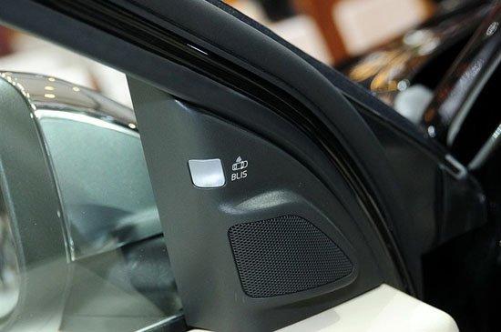 沃尔沃新S80L对比奔驰新E级 沿袭古典优雅风