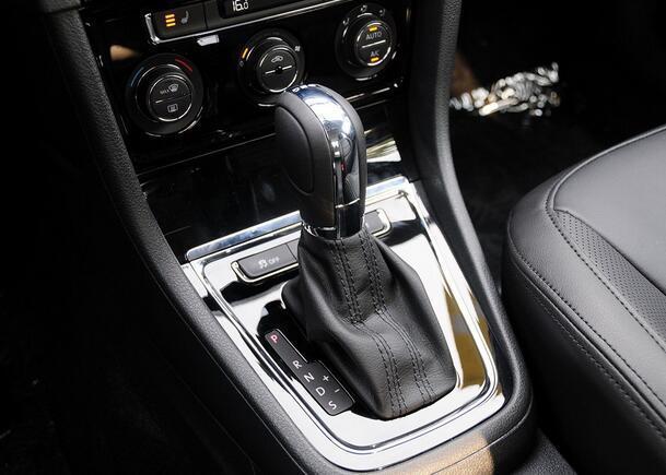 大多数车主将手自一体当普通自动挡开 太浪费了