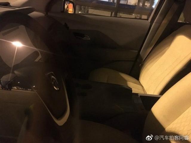 """全新""""神车""""将降生 新款宝骏730谍照曝光"""