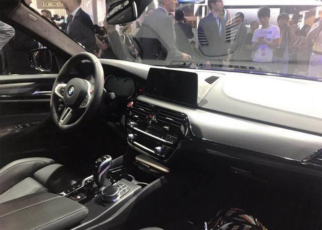 全新宝马M5车展海内首发 运动化设计