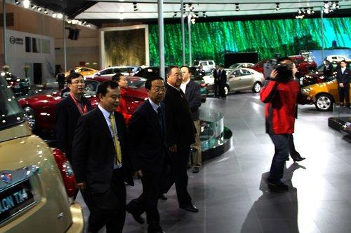 国务院副总理张德江等参观北京国际车展