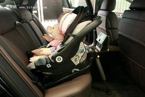 坐得安全很重要 手把手教您安装安全座椅