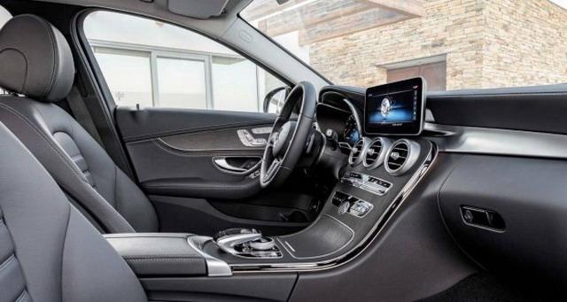 内外优化升级 新款奔驰C级长轴版车型谍照