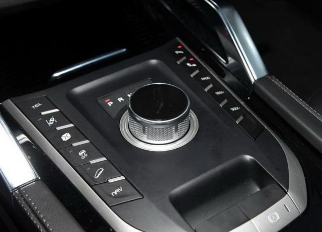 众泰T700推贺岁版车型 11月30日晚上市