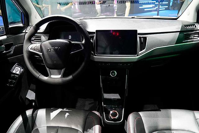 续航里程380km 哪吒N01小型纯电SUV首发