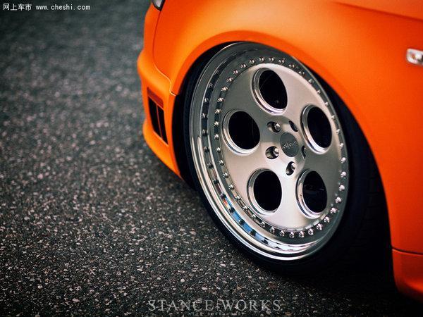 橙色风暴来袭 奥迪RS4低趴性能改装鉴赏