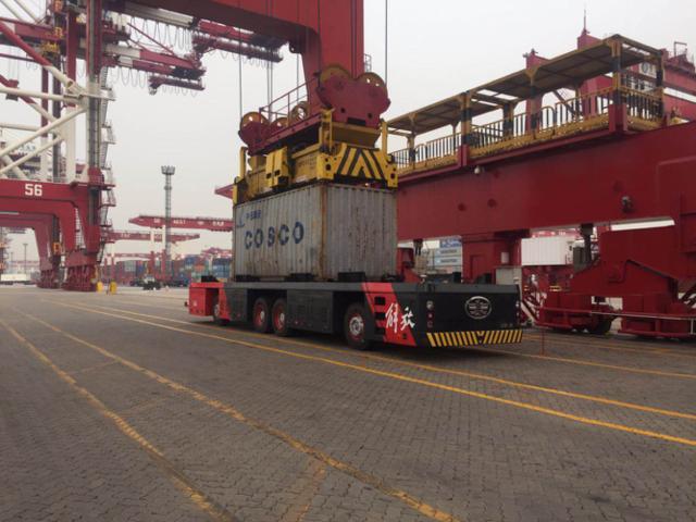 针对港口物流痛点 解放首款专用智能卡车将亮相