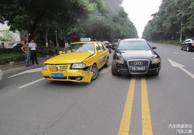 老司机要牢记这3个地方不允许掉头 不然会被扣分罚款