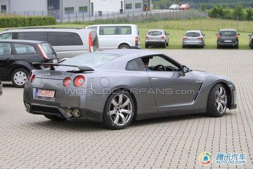2012款日产GT-R改款车谍照曝光 细节调整