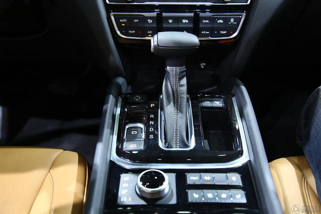 自主中型SUV车展大热 外观霸气配置足