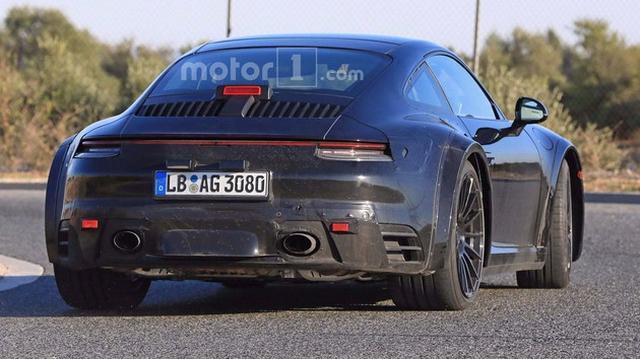不仅是尺寸增大 保时捷全新911 Turbo谍照