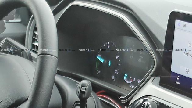 全新一代福特翼虎混动版谍照曝光 造型更加流畅