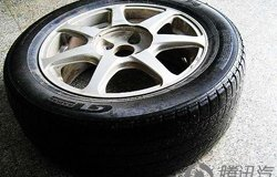安全行车有保障 分享换轮胎记