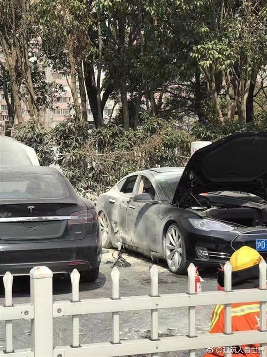 充电桩的祸?特斯拉Model S车型上海自燃