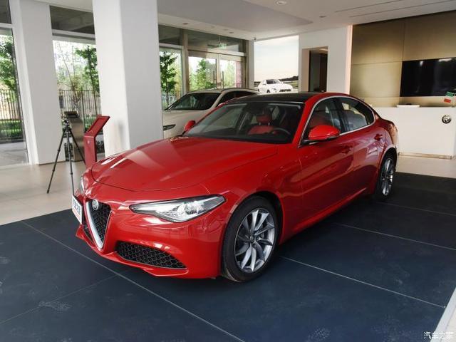 阿尔法·罗密欧 Giulia 2017款 2.0T 280HP 豪华版