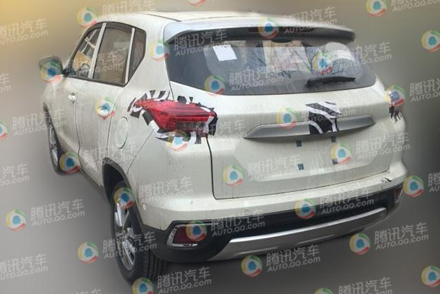 北汽绅宝X35高低配车型曝光 挑战长安CS35