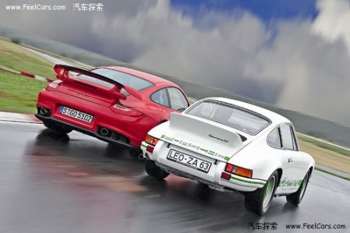 对比保时捷Caraera RS 2.7与911 GT2 RS
