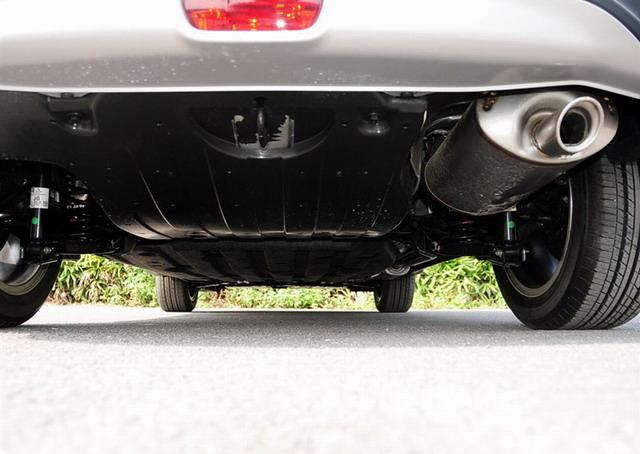 XR-V采用后扭力梁式悬挂-东风本田XR V对比广汽本田缤智 南北同门