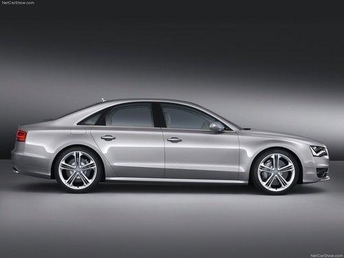 2012款奥迪S8亮相法兰克福车展 搭V8引擎