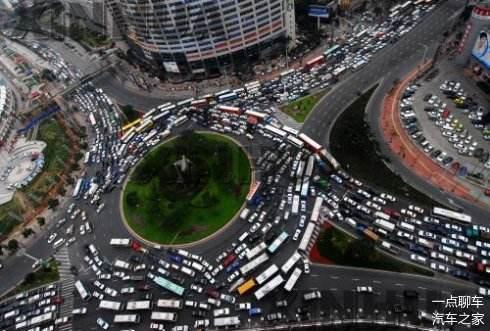 好好开车很难吗 网友总结最让人反感的驾驶行为