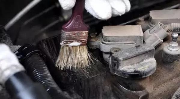 发动机舱清洗只需3步,比想象的要简单