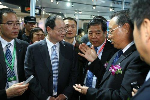 中国机械工业联合会会长王瑞祥参观吉利