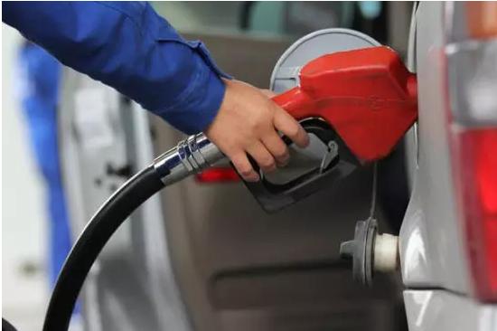 成品油价周六或将踩线上调 车主周五可加满