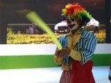 小丑现场耍宝