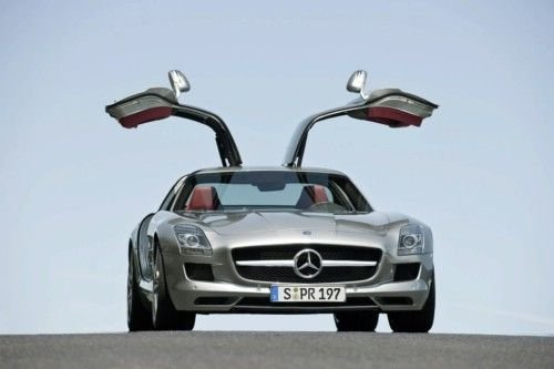 奔驰超跑SLS AMG成都车展首发售362.8万