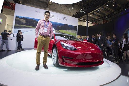 体验明年在中国上市的特斯拉MODEL 3