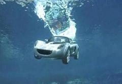 汽车坠河后 这几个关键动作可以自救