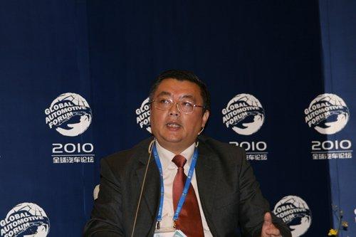 倪威:中国车企出口汽车缺少基础设施支撑