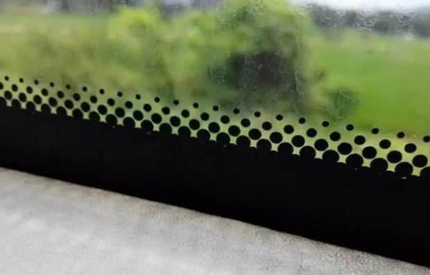 车窗上为什么有小黑点 它的作用你知道吗