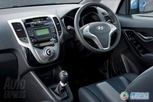 现代入门级MPV IX20官图发布 巴黎车展首发
