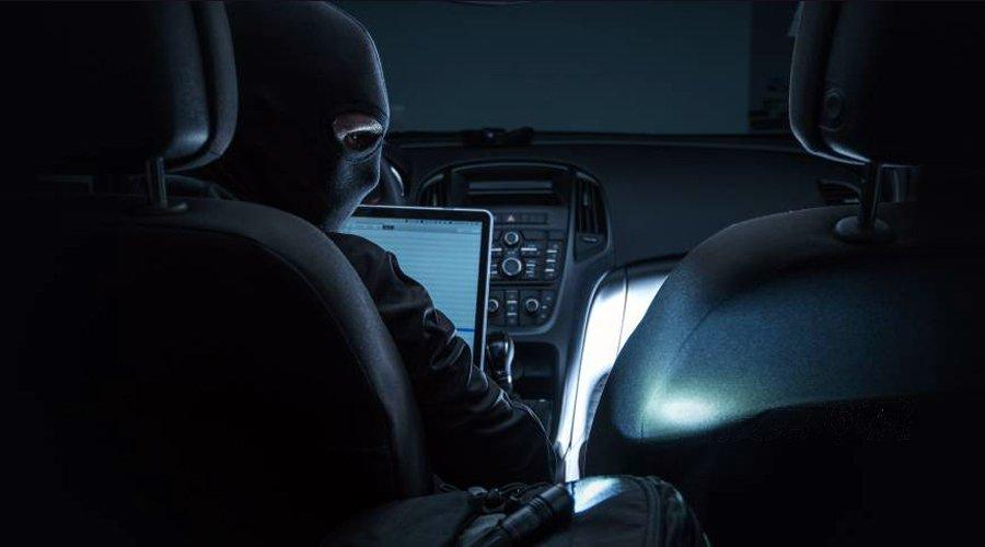 科技第六感:60秒破解你的车 令人忌惮的汽车黑客