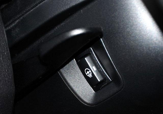 英菲尼迪Q50对比宝马3系 向运动标杆挑战
