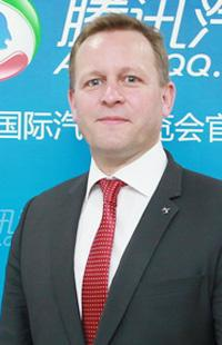 DS品牌全球销售与市场副总裁赫博