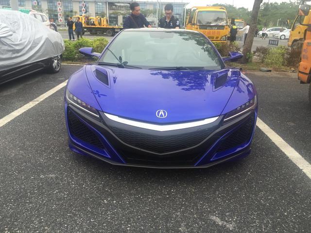 讴歌NSX馆外亮相 价值300万的东瀛跑车