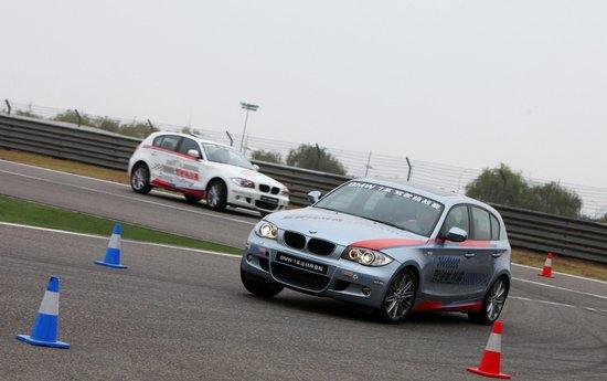 BMW 1系双门轿跑车和敞篷轿跑车激情上市