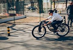 国产电动摩托自行车来了 电池组加倍最高续航96公里
